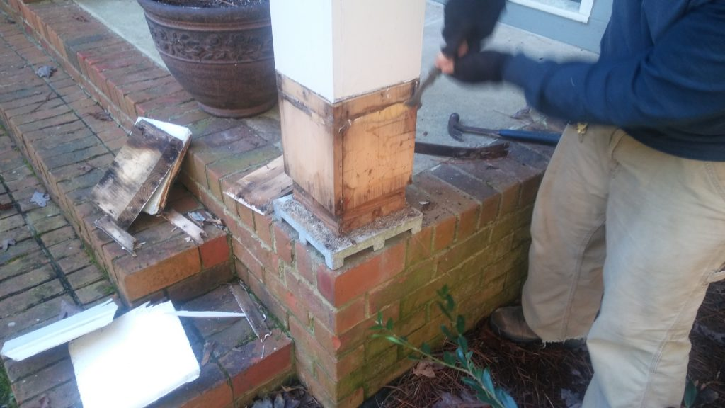 Assessing the best way of repairing a column base